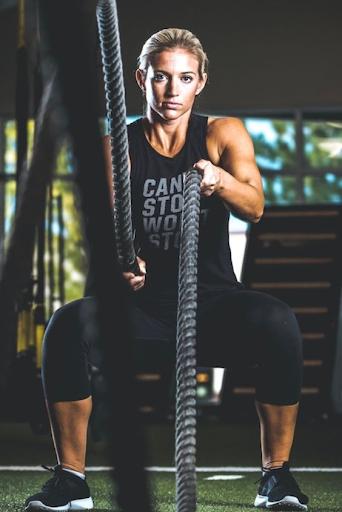 Фитнес меняет судьбы: истории девушек, сменивших офис на работу фитнес-тренера