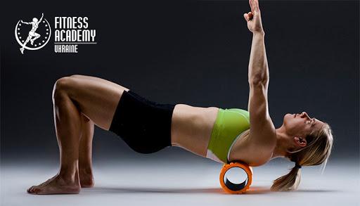 Кому показаны упражнения с роллами
